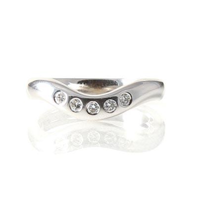 18ct White Gold RBC Diamond Set Bow Shaped Wedding Ring