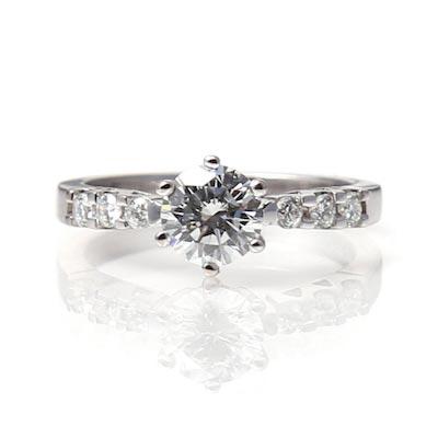 18ct White Gold Diamond Ring Diamond set shoulders